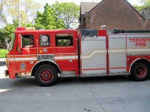 amerykański wóz strażacki 300x225 Jednostki kształcenia pożarniczego